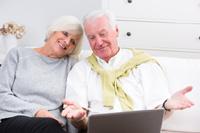 Paar freut sich über Tagesgeld ohne Freistellungsauftrag